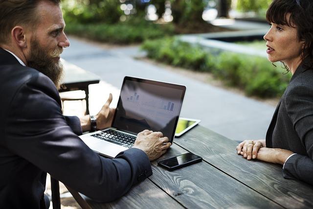 מגשר עסקי – יכול לסייע לכל עסק